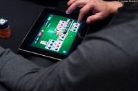 jeu de cartes sur tablette